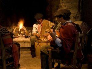 Argentina Gaucho campfire Singing